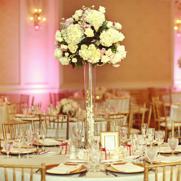 Wholesale wedding centerpieces discount wedding bouquets for Center arrangements for weddings